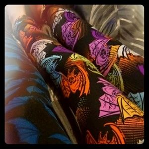 Lularoe kids Bat leggings s/m